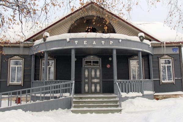Это один из самых труднодоступных театров в России