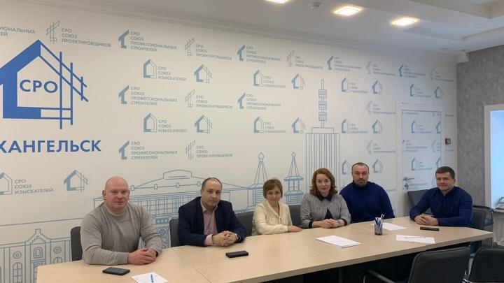 Зарплаты хорошие, кадры нужны: в Архангельске обсудили, как повысить престиж строительных профессий