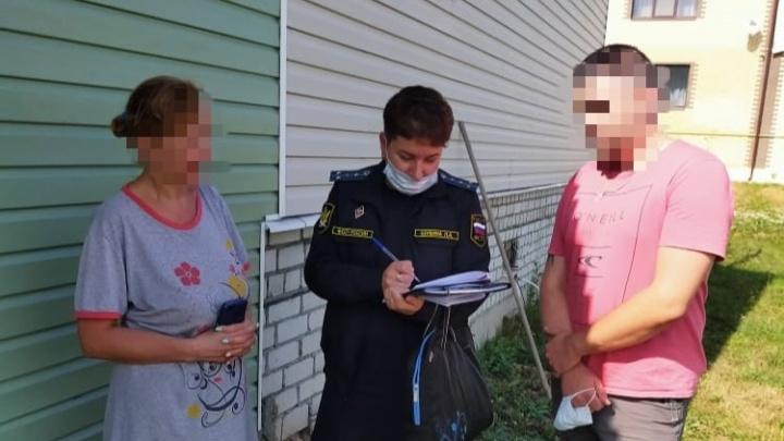 Не хотел воспитывать детей: в Ярославской области многодетная мать выселила бывшего мужа из загородного дома