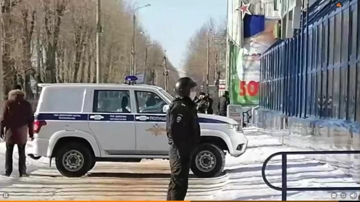 В Северодвинске сотрудника микрозаймов взяли в заложники