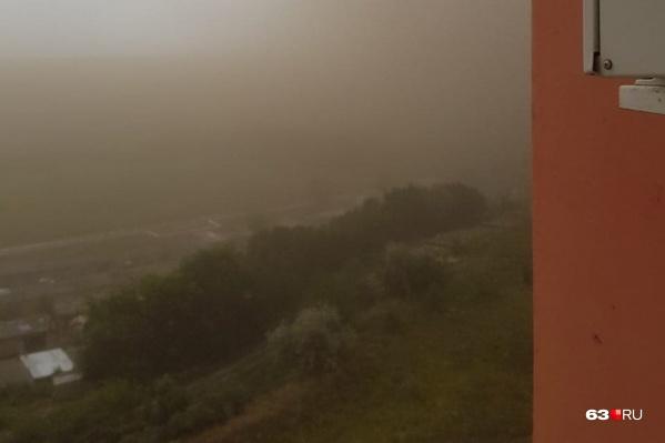 Сызрань заволокло пыльным облаком