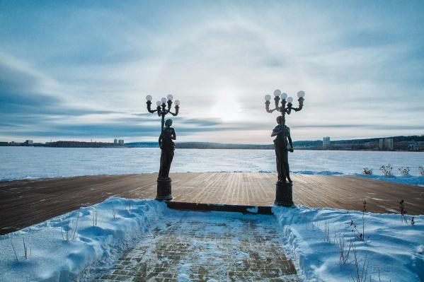 Бизнесмены в Екатеринбурге спорят из-за территории на набережной Исети