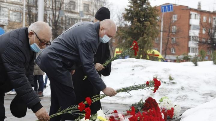 В Кемерово отслужили заупокойную панихиду по погибшим в «Зимней вишне»