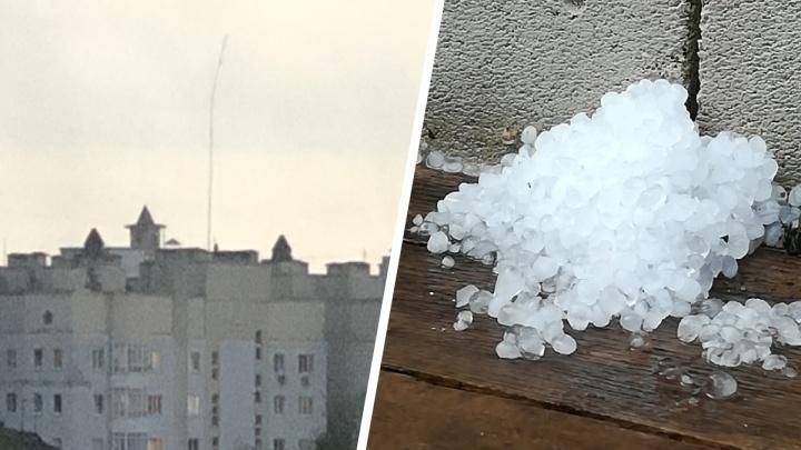 На Ярославль обрушились град и смерч: фоторепортаж