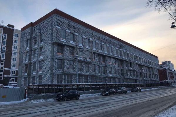 Поликлинику строят неподалеку от остановки «Улица Горького»