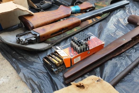 Двое сургутян переделывали и продавали боевое оружие