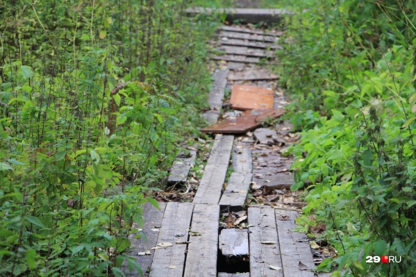 Подрядчика для ремонта тротуара на Варавино-Фактории еще ищут, а в Соломбале — уже найден