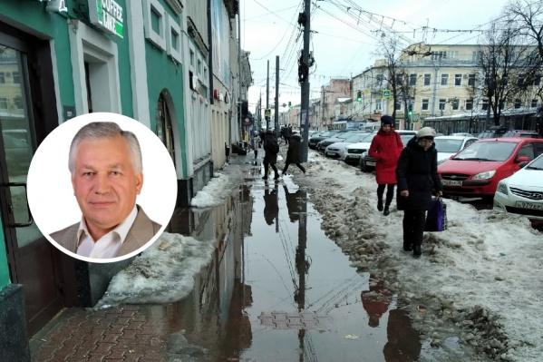 Виктор Волончунас пристыдил городских чиновников за состояние тротуаров
