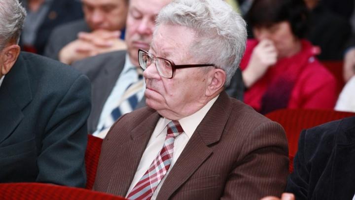 В Новосибирске умер известный политик Владимир Боков