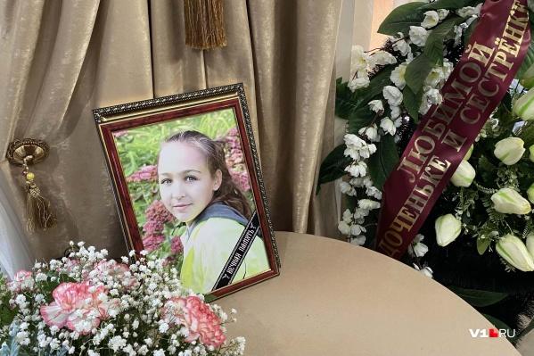 В Волгограде прощаются с погибшими девочками-баскетболистками