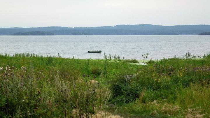 В Кузбассе подросток утонула, когда ходила вдоль берега водоема. Рассказываем, что случилось