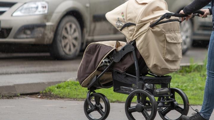 На Дону экс-жена помощника прокурора попыталась украсть его новорожденного сына от молодой супруги