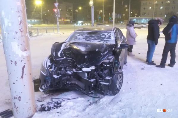 Водитель KIA получил травму — у него перелом кисти