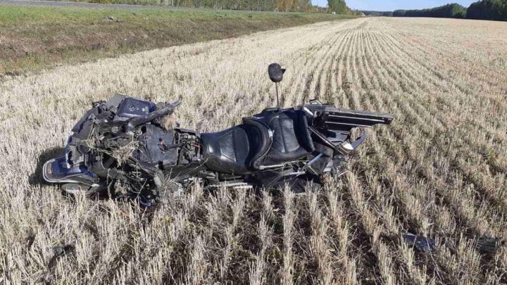 На тюменской трассе насмерть разбился молодой мотоциклист на Honda