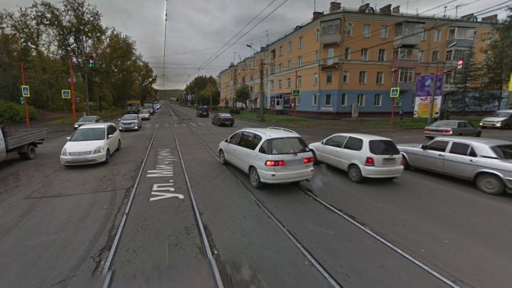 На перекрестке Мичурина — Кутузова запретили левые повороты