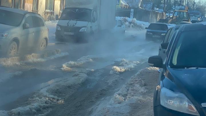 В Самаре из-за коммунальных аварий оказалось парализовано движение трамваев