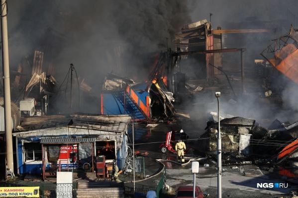 """В результате пожара пострадали минимум <nobr class=""""_"""">33 человека</nobr>, <nobr class=""""_"""">10 —</nobr> в тяжелом состоянии"""