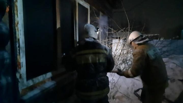 На отца, потерявшего двоих детей в пожаре, завели уголовное дело