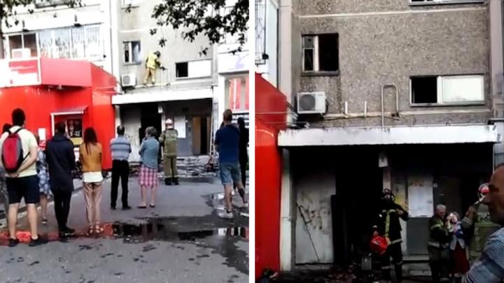 «Вышел на лоджию, задыхался и звал на помощь»: в Екатеринбурге из-за пожара эвакуировали девятиэтажку