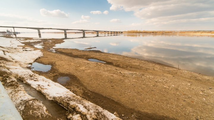 На берегу Камы в Перми нашли тело женщины