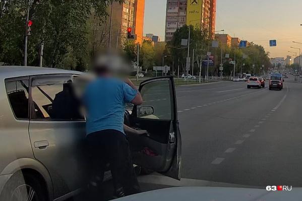 Водитель автобуса проявил несдержанность