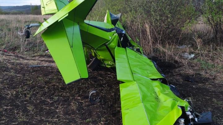 Носом в землю: житель Самарской области разбился на самолете