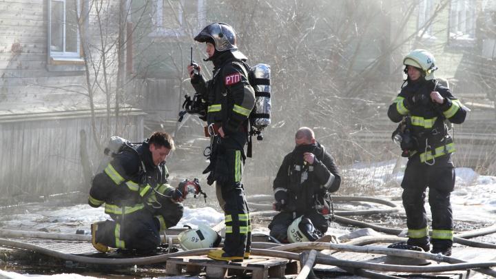 При пожаре в деревянном доме на Гагарина погибла пенсионерка
