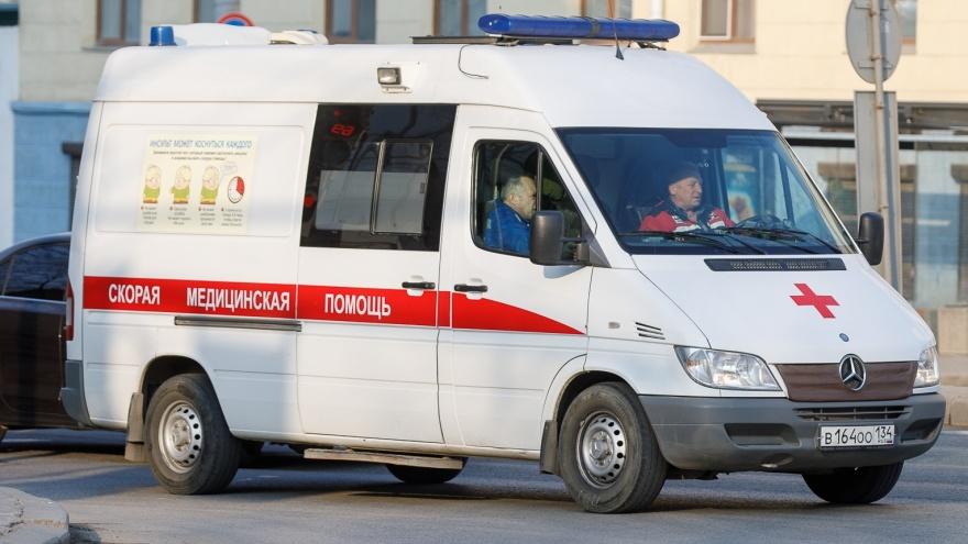 Заплатим, когда заболеете: в Волгоградской области медикам и водителям скорой отменили президентские доплаты