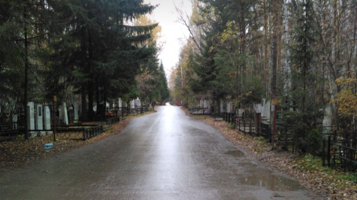 В Новосибирске на Троицу перекроют участки дорог рядом с кладбищами — публикуем карту