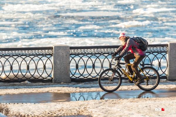 Еще немного — и можно будет доставать велосипеды