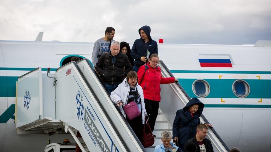 «1500 долларов штрафа и карантин»: сибирячка хотела улететь из Израиля, но спустила деньги в воздух
