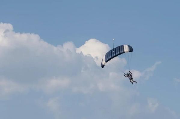 По словам нашего читателя, у мужчины не раскрылся парашют
