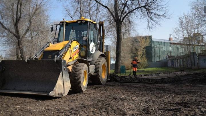 Работать будут круглосуточно: в Самаре начали благоустраивать территорию возле Фабрики-кухни