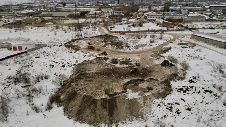 Как выглядит главный склад снега в Красноярске с высоты: видео