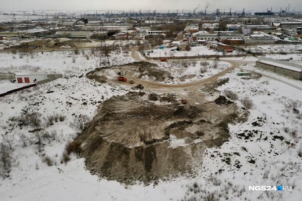 Склад снега больше похож на склад грязи