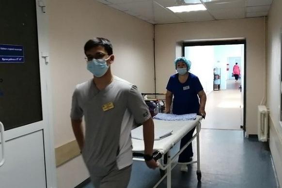 Сургутская травматология активно работает со студентами и выпускниками вузов