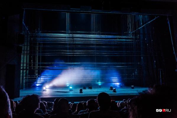 В театрах и на концертных площадках предложили вводить пропуск по QR-кодам