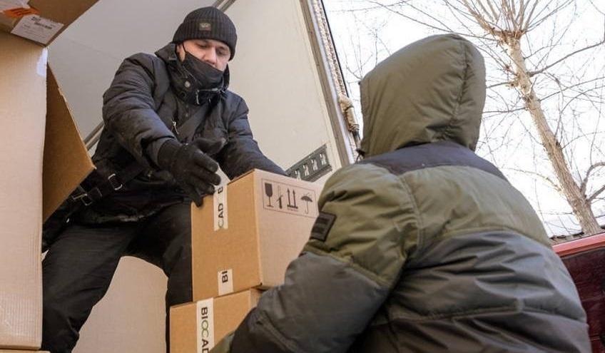 На Урал доставили крупнейшую партию вакцины от коронавируса