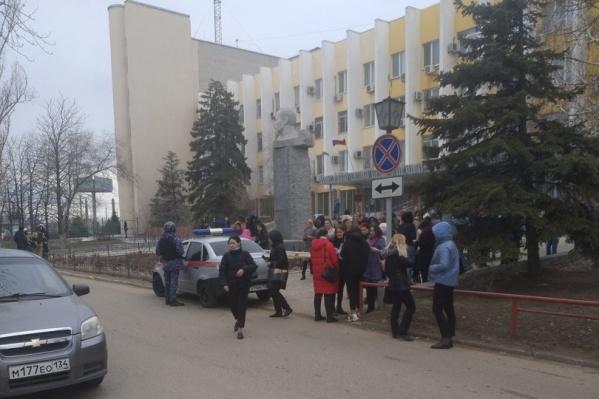 Суды в Волгограде эвакуируют уже не первый раз