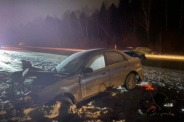 ВChevrolet Lanos ехали шесть человек. Все они остались живы, но многие получили травмы
