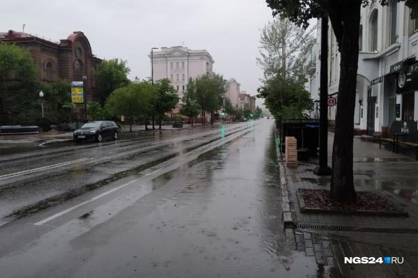 Сейчас в Красноярске идет дождь, будем надеяться, что не залповый