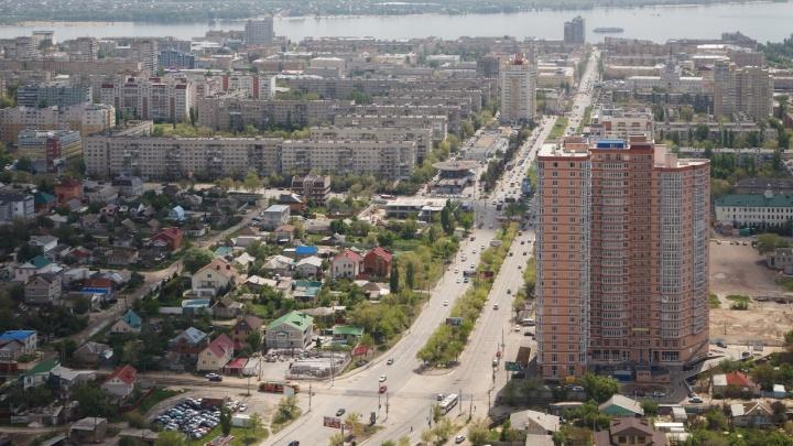 Оторвало ногу при падении: в Волгограде 30-летний мужчина сорвался с20-го этажа высотки