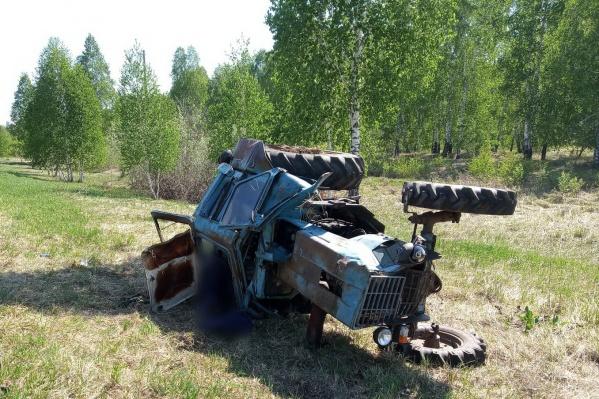 Водитель трактора не дожил до приезда скорой помощи