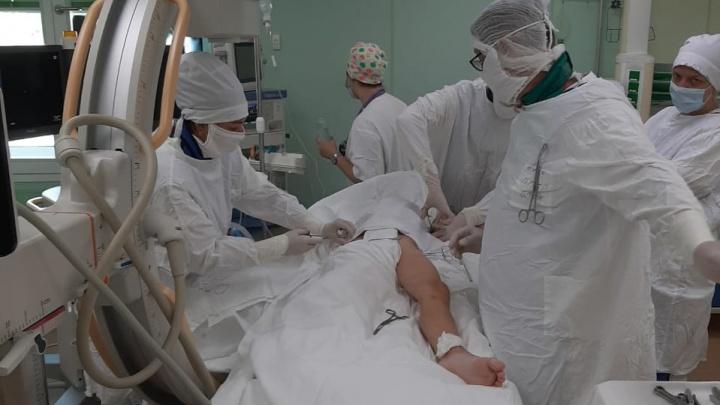 «Руку практически оторвало»: челябинские врачи спасли упавшего с пятого этажа мальчика