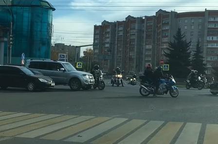 В Ярославле байкеры перекрыли оживленный проспект