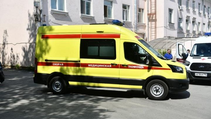 На Урале подросток впал в кому после прогулки на карьере. Он получил мощный удар током