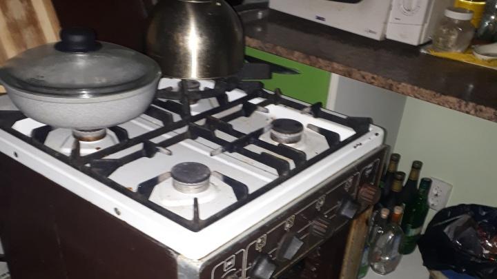 На Татищева неадекватный мужчина угрожал взорвать свою квартиру, открыв газовые горелки