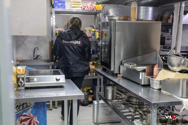 7 мая сотрудница кафе пострадала в результате конфликта двух нетрезвых клиентов