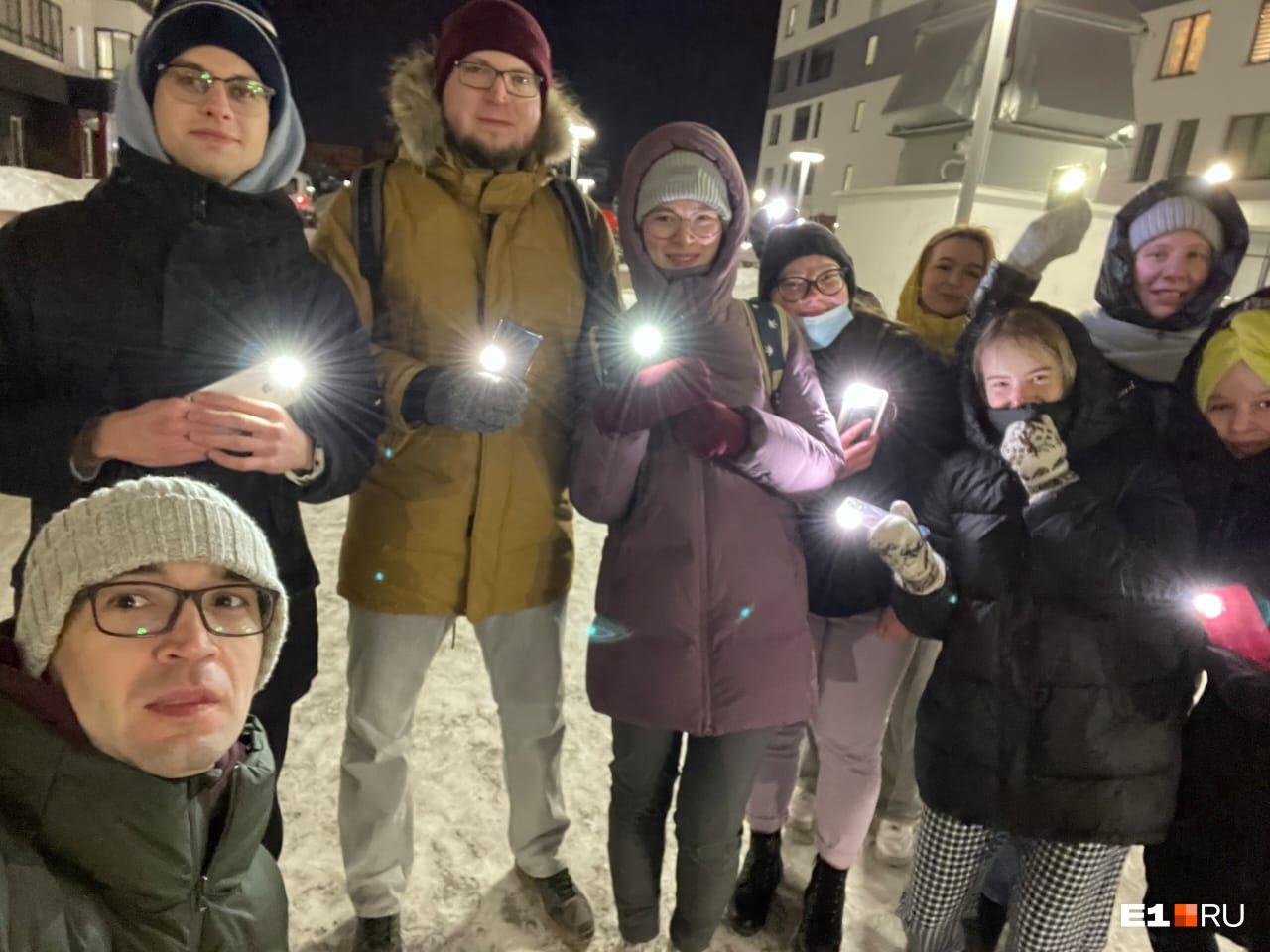 Участники флешмоба с Раевского