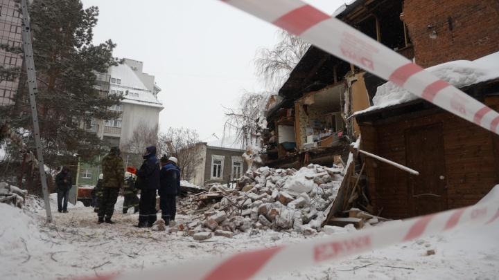 «С него уже полгода сыпались кирпичи»: что стало причиной обрушения дома на Галактионовской